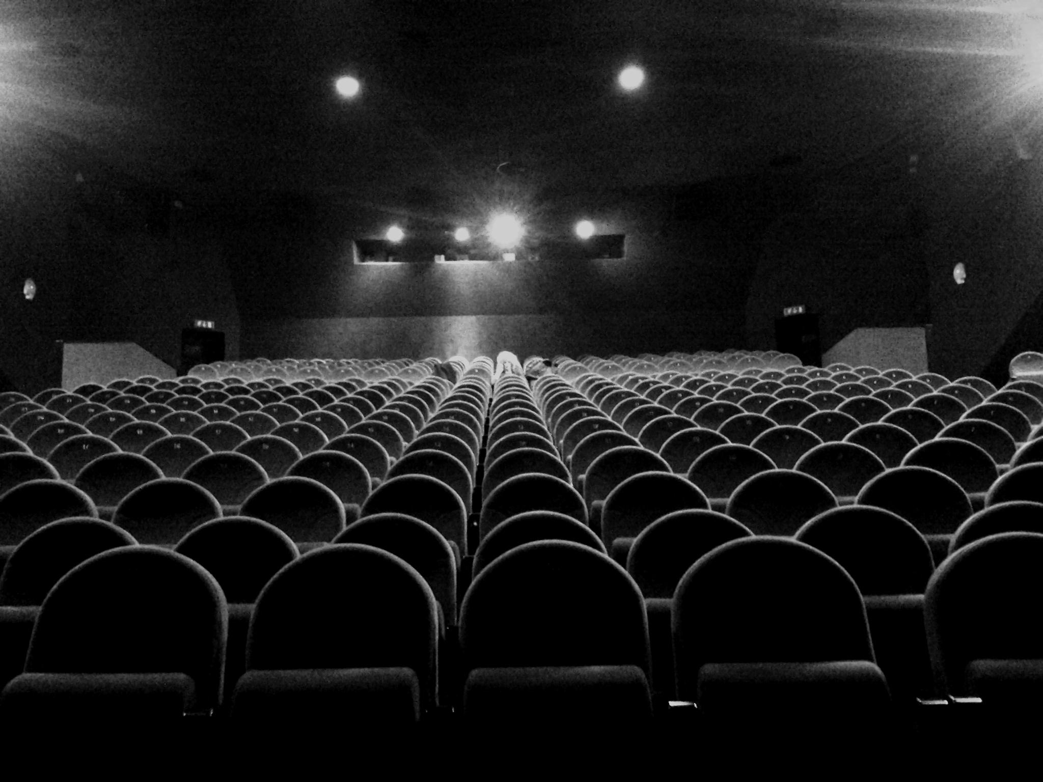 Ma a te piace il Cinema oppure ti piacciono i Film?