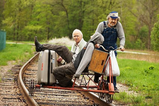 Il centenario che saltò dalla finestra e scomparve – Forrest Gump dell'Ikea